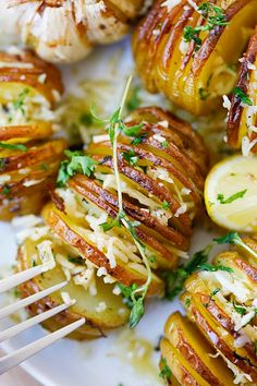Parmesan Roasted Potatoes - the easiest and BEST roasted potatoes with Parmesan cheese, butter and herbs. SO good you'll want to make it every day!! | rasamalaysia.com