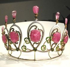 Pink tourmaline tiara with small water lilies detail, ca. 1896 - 1900, Rozet & Fischmeister, Vienna, pink tourmalines, perodots, diamonds, enamel, gold, original case