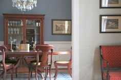 What's the best dining room paint color? Why red is not the correct answer. Color Expert, The Decorologist tells you what is.