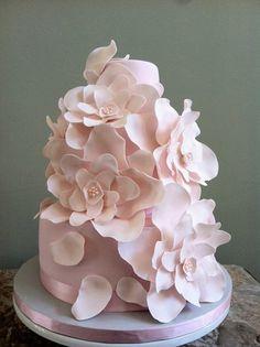 simply pink! - by Jillin25 @ CakesDecor.com - cake decorating website