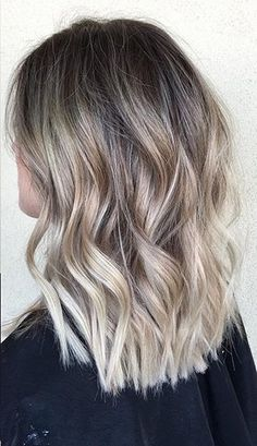 Hair Color Ideas 2018 : subtle blonde ombre Discovred by : Mane Interest Medium Hair Styles, Short Hair Styles, Hair Color Images, Blond Ombre, Ash Blonde, Corte Y Color, Hair Color Balayage, Cool Hair Color, Fall Hair