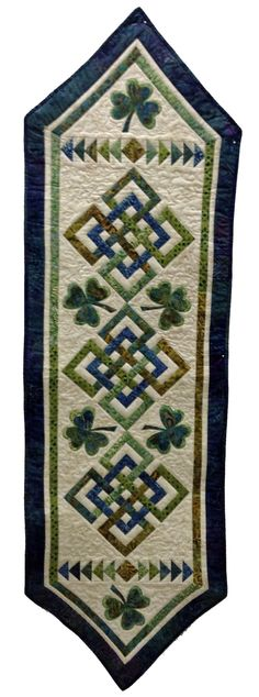 Luanne Probasco's adorable Celtic Knot Table Runner