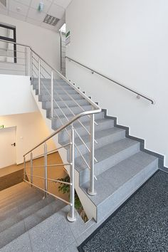 Steel Stair Railing, Stair Railing Design, Steel Stairs, Staircase Railings, Railing Ideas, Stainless Steel Railing, Ladder, Home Decor, Small Studio Apartments