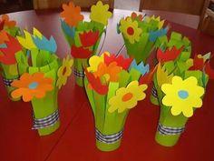 Kytky Easy Crafts, Diy And Crafts, Arts And Crafts, Paper Crafts, Easter Crafts For Kids, Summer Crafts, Flower Crafts, Flower Art, Fathers Day Crafts