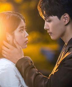 IU - Hotel De Luna Korean Drama Best, Korean Drama Movies, Korean Actors, Korean Dramas, Kdrama, Iu Moon Lovers, Jin Goo, Best Dramas, Romantic Moments