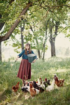 Life goal: have chickens. Country Farm, Country Girls, Country Living, Vie Simple, Future Farms, Photo Portrait, Country Lifestyle, Farms Living, Down On The Farm