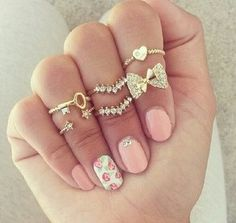 Of course girly fashion isn't just about the clothes. Some cute nails or rings are lovely hints of girly for your look! Cute Jewelry, Jewelry Rings, Jewelry Accessories, Fashion Accessories, Gold Jewelry, Cheap Jewelry, Luxury Jewelry, Jewelry Watches, Teen Jewelry