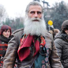 #love #pittiuomo #scarf #report #instafashion  http://www.monsieurjerome.com/pitti-uomo-trend-report-scarfs