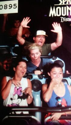 Space mountain.. family photo!! Space Mountain, You Can Do, Family Photos, Disneyland, Movies, Movie Posters, Family Pictures, Films, Film Poster