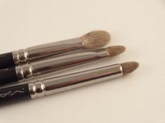 How To Clean Your Make-up Brushes www.diyandme.com