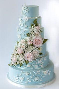 Amy Beck Cake Design LLC - Wedding Cake - Chicago, IL - WeddingWire Stunning tiered cake by Amy Beck Cake Design Glamorous Wedding Cakes, Wedding Cakes With Flowers, Beautiful Wedding Cakes, Gorgeous Cakes, Pretty Cakes, Different Wedding Cakes, Flower Cakes, Amazing Cakes, Wedding Cake Prices