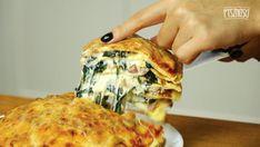 Zapiekanka z ziemniakami, brokułami, serem i szynką - Pyszności Polish Recipes, Lasagna, Quiche, Casserole, Nom Nom, Food And Drink, Menu, Cooking Recipes, Cheese