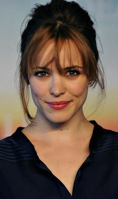 Rachel mcadams so beautiful! rachel mcadams with red hair Celebrity Hairstyles, Hairstyles With Bangs, Fringe Hairstyles, Fashion Hairstyles, Hair Inspo, Hair Inspiration, Rachel Anne Mcadams, Rachel Mcadams Bangs, Rachel Mcadams Hairstyles