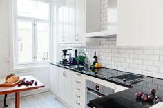 black&white kitchen