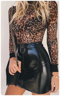 going out outfits Revelatory Mini Skirt Dress Ideas For Your Best Sexy Looking GALA Fashion Black Leather Skirts, Leather Dresses, Leather Skirt Outfits, Faux Leather Skirt, Denim Skirt, Mode Outfits, Fashion Outfits, Womens Fashion, Dress Fashion