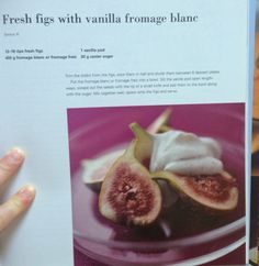 Fresh figs with vanilla fromage blanc