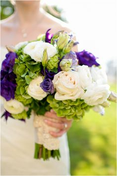 Rhode Island wedding, bride, bouquet, wedding flowers