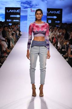 Year after year INIFD and Lakmé Fashion Week give a chance to 6 aspiring designers.  Designer