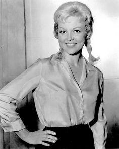 Cynthia Lynn TV actress Photographs ARMY DAY - 15 JANUARY PHOTO GALLERY  | PBS.TWIMG.COM  #EDUCRATSWEB 2020-05-11 pbs.twimg.com https://pbs.twimg.com/media/DTmVNuhV4AAidBL.jpg