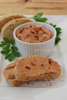 Pasta z tuńczyka z suszonymi pomidorami