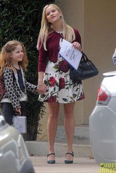 Reese Witherspoon wearing Chloe Alice Medium Satchel, Dolce & Gabbana Rose Print Brocade Dress and Ralph Lauren Arabella Suede Pumps in Dark Green