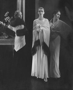 Mainbocher capes 1932    Photographed by Edward Steichen.