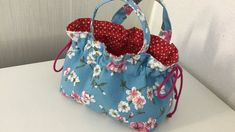 Coudre un petit panier pour Chocolat - Tuto Couture Madalena Bag Patterns To Sew, Sewing Patterns, Sewing Hacks, Sewing Crafts, Youtube Sewing, Wool Applique Quilts, Drawing Bag, Coin Couture, Denim Bag