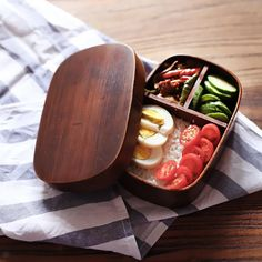 Cheap food container, Buy Quality japanese bento directly from China japanese bento boxes Suppliers: Japanese bento boxes wood lunch box handmade natural wooden sushi box tableware bowl Food Container Sushi Box, Bento Box Lunch, Bento Lunchbox, Lunch Boxes, Sushi Lunch, Box Lunches, Japanese Bento Box, Japanese Food, Japanese Style