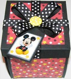 The Avid Scrapper: Scrapbook Explosion gift box - Disney box exterior