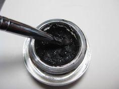 How to revive dried out gel eye liner #makeup #diy #tip @audreyarseneau