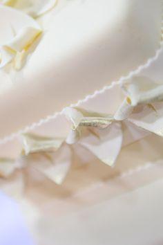 2013: Mokgalaka's entry into The Wedding Expo Cake Challenge with Clover and Sasko Flour! http://wedding-expo.co.za/competitions/cake-challenge/
