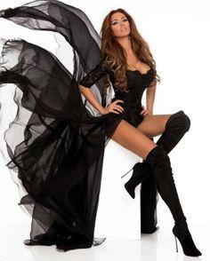 Bianca Dragusanu great sexy boot pic!!