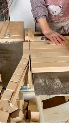 Woodworking Art Ideas, Woodworking Tools For Beginners, Wood Working For Beginners, Woodworking Furniture Plans, Woodworking Videos, Woodworking Shop, Wood Pallet Furniture, Diy Furniture Couch, Diy Furniture Plans Wood Projects
