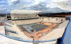 """Jornalistas questionam ligação entre Caixa e Arena Corinthians: """"Esquisito"""" #sportv"""