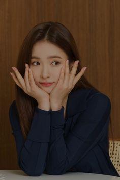 Korean Actresses, Actors & Actresses, Korean Celebrities, Celebs, Jang Nara, Shin Se Kyung, Handsome Korean Actors, Beautiful Asian Girls, Pretty Girls