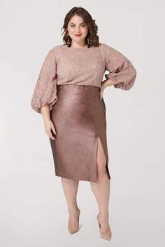 Marée Pour Toi Maree Pour Toi Metallic Faux Leather Skirt in Blush Size 14 Trendy Plus Size Fashion, Plus Size Womens Clothing, Clothes For Women, Curvy Fashion, Plus Size Dresses, Plus Size Outfits, Nice Dresses, Amazing Dresses, Indie Outfits