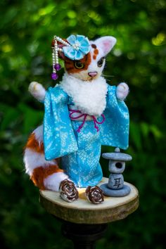 cat in kimono by themimiclothingshop on Etsy Im Crazy, Snow Globes, Kimono, Trending Outfits, Toys, Unique Jewelry, Handmade Gifts, Vintage, Design