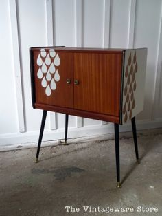 Mid Century Side Table, Record Cabinet, Vintage Storage Cupboard on Etsy, 149,89€