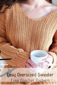Easy Oversized Crochet Sweater Pattern For Your Chilly Days Wardrobe - Knit And Crochet Daily # crochet clothes patterns Easy Oversized Crochet Sweater Pattern For Your Chilly Days Wardrobe - Knit And Crochet Daily Free Form Crochet, Pull Crochet, Mode Crochet, Crochet Diy, Crochet Shirt, Crochet Woman, Crochet Patterns, Crochet Hats, Crochet Sweaters