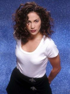 Jennifer Lopez, also known as J. When Jennifer Lopez was young, Fashion Mode, Star Fashion, 90s Fashion, Vintage Fashion, Pictures Of Jennifer Lopez, Jennifer Lopez Young, Evolution Of Fashion, Actrices Hollywood, Grunge Hair