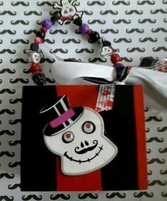 Day of The Dead or Halloween Cigar Box Purse w Hand Beaded Handle Gothic skull, get your empty cigars boxes at Neptune http://www.neptunecigar.com/pr/paper_covered_empty_cigar_box_pack_of_10.aspx