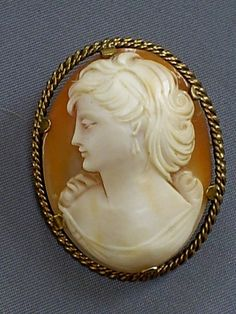 LOVELY 1930s VINTAGE 12CT ROLLED GOLD CLEWCO CARVED SHELL LADY CAMEO BROOCH/PIN