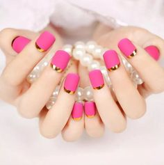 Manicure pink gold french tips 34 ideas for 2019 No Chip Manicure, Gel Manicure At Home, Manicure Colors, Manicure And Pedicure, Gold French Tip, Glitter French Tips, Glitter French Manicure, French Manicure Designs, French Manicures