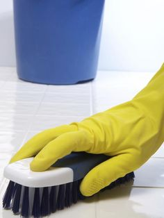 Bathroom Cleaning Secrets From the Pros : Rooms : Home & Garden Television