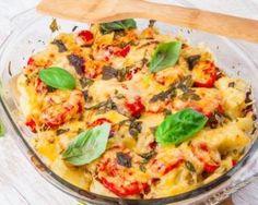 Gratin léger de pommes de terre et de tomates : http://www.fourchette-et-bikini.fr/recettes/recettes-minceur/gratin-leger-de-pommes-de-terre-et-de-tomates.html