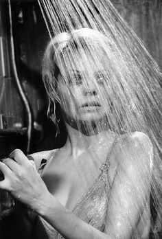 Susannah York, scene from 'they Shoot Horses Don't They?', by Bob Willoughby Female Actresses, English Actresses, British Actresses, Susannah York, John Huston, Twenty Four, Anne Bancroft, Star Actress, Anthony Perkins