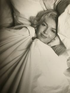 The Essential Marilyn Monroe by Milton H. Greene: Milton H. Marylin Monroe, Marilyn Monroe Fotos, Classic Hollywood, Old Hollywood, Milton Greene, Imperfection Is Beauty, Believe, Norma Jeane, Jolie Photo
