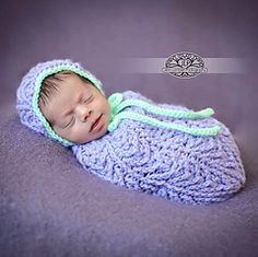 Ravelry: Arrowhead Baby Bonnet & Cocoon or Swaddle Sack Set