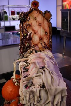 Halloween Wars: Sleeping Beauty Cake by Karen Portaleo/ Highland Bakery, via Flickr