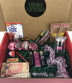 Lovepact (still lit) weed box, weed edibles, weed strains, best subscription Weed Girls, 420 Girls, Weed Box, Stoner Gifts, Stoner Art, Puff And Pass, Pipes And Bongs, Smoking Weed, Smoking Room